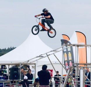 Action Events | Verhuur van attracties - Stunts en shows